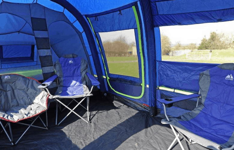 Spacious interior ideal for 6 people