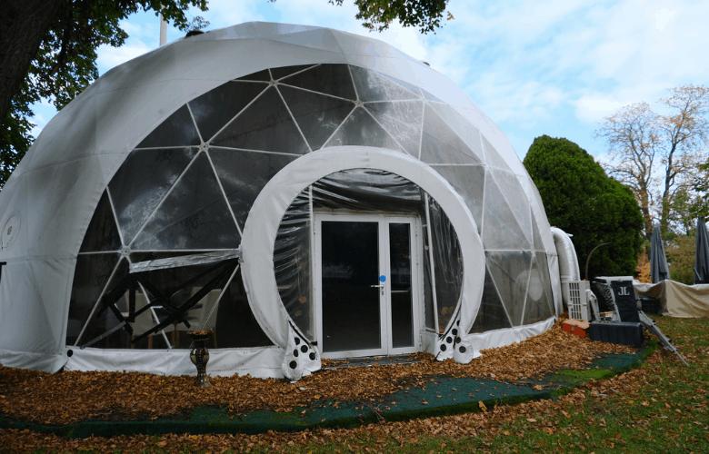 Plastic bubble at Parc Marignac, Lancy